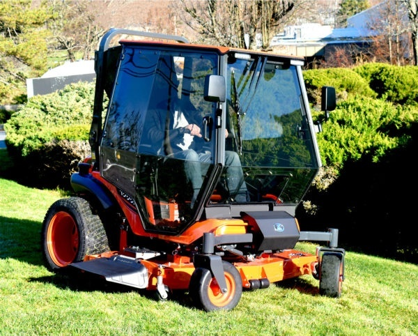 Curtis Industries: Premium Air-Conditioned Cab For Kubota ZD1211